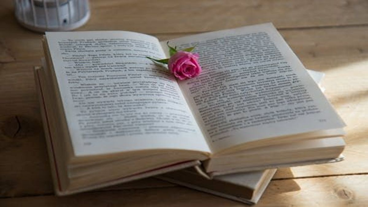 Rosebud and book